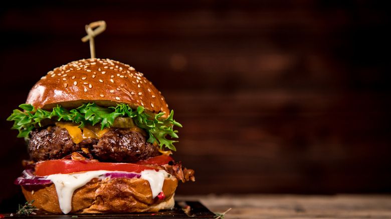 14 mistakes everyone makes when cooking burgers