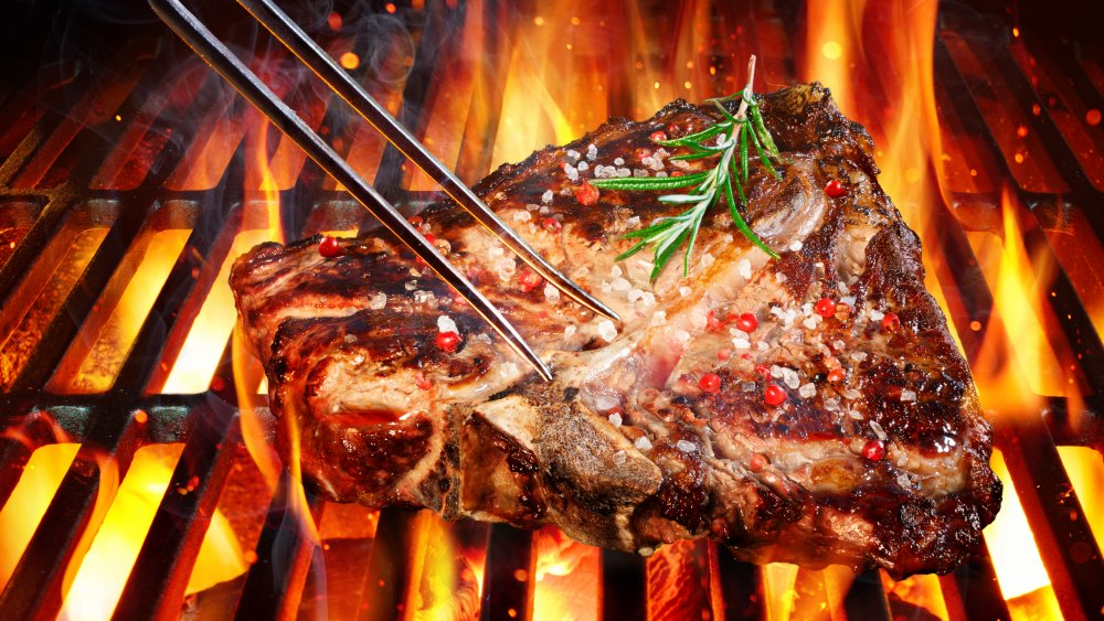 6 things to order at a steakhouse and 6 things to skip