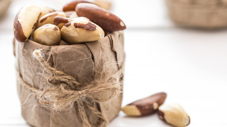 What Kind Of Nut Has A Hole >> 7 Nuts You Should Be Eating And 7 You Shouldn T