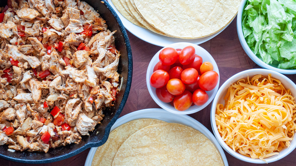 taco ingredients cooked for chicken tacos