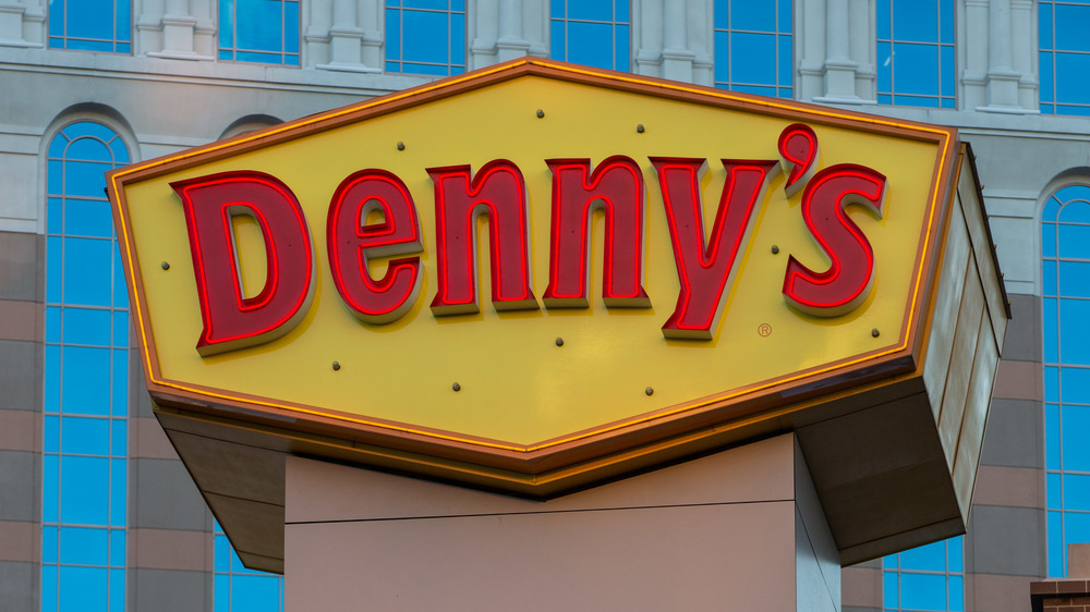 People can't stand working at Denny's and we think we know why