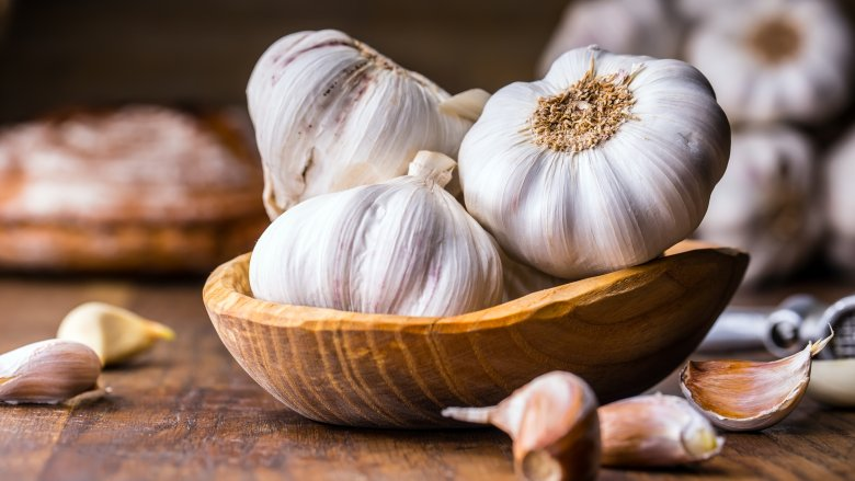 The biggest mistakes everyone makes when cooking with garlic