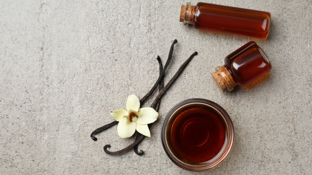 The real difference between pure and imitation vanilla extract