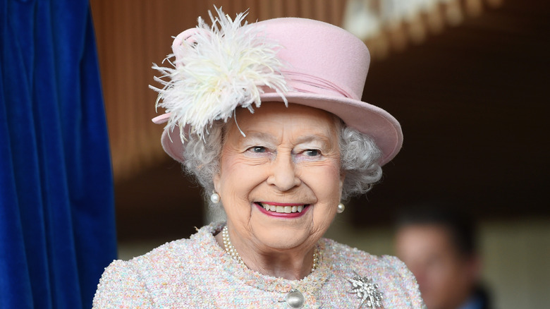 This Is What Queen Elizabeth Really Eats