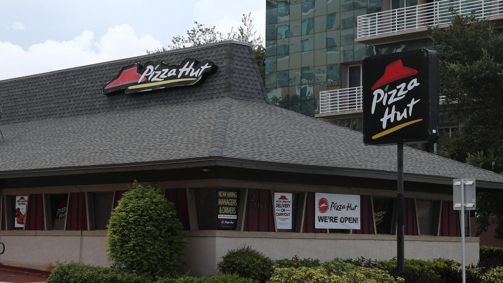 Workers reveal what it's really like to work at Pizza Hut