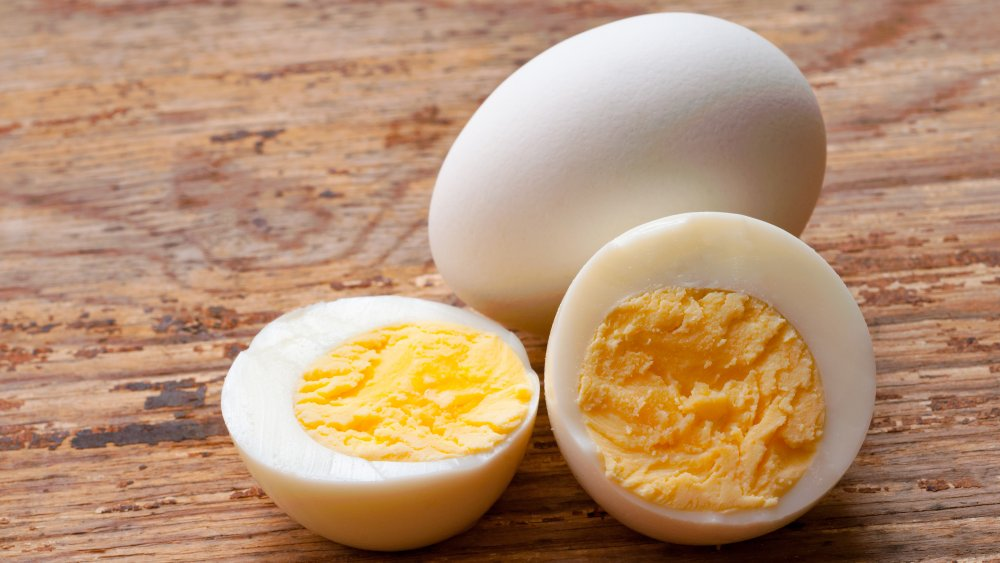 You Should Never Peel Hard-Boiled Eggs Before They've Cooled. Here's Why